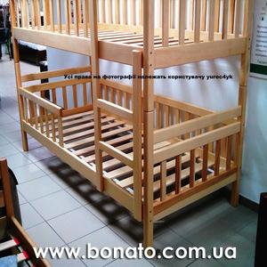 Продам двохярусне дерев'яне ліжко з ортопедичними матрацами